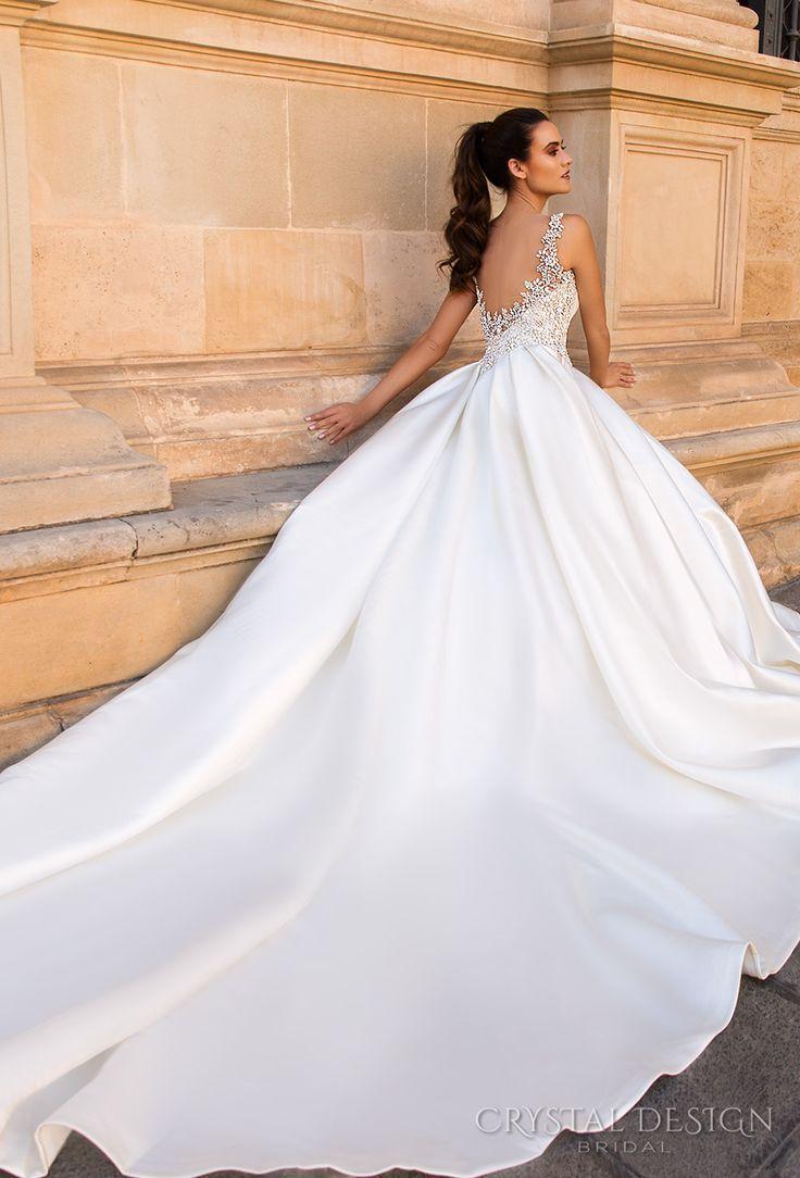 Crystal design bridal sleeveless jewel sweetheart neckline