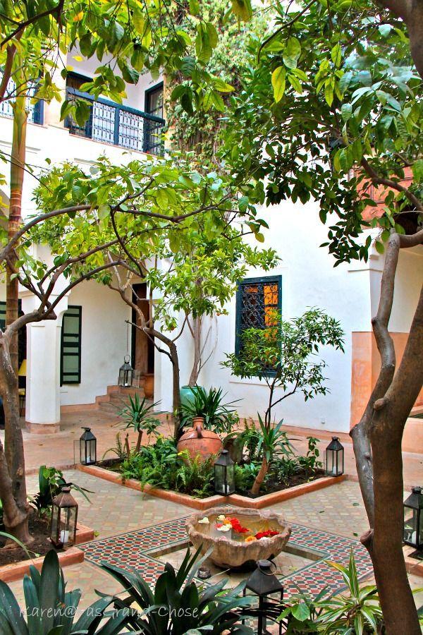 Arabian courtyard gardening pinterest gardens for Moroccan style garden ideas