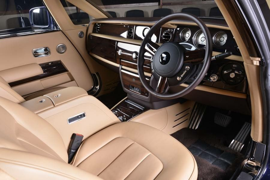Top 10 Most Expensive Cars In The World 2019 With Interior Rolls Royce Expensive Cars Most Expensive Car