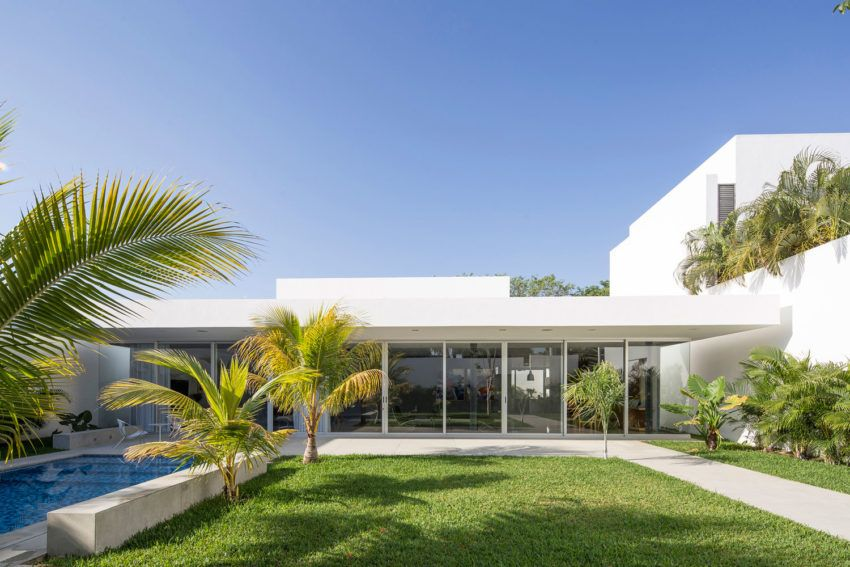 Magnificent House Designed by Augusto Quijano Arquitectos in Yucatan on