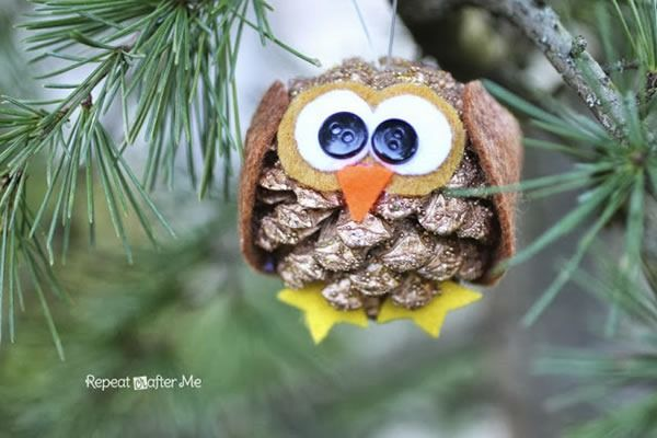 25 increibles adornos de navidad hechos a mano buho - Adornos de navidad hechos con pinas ...