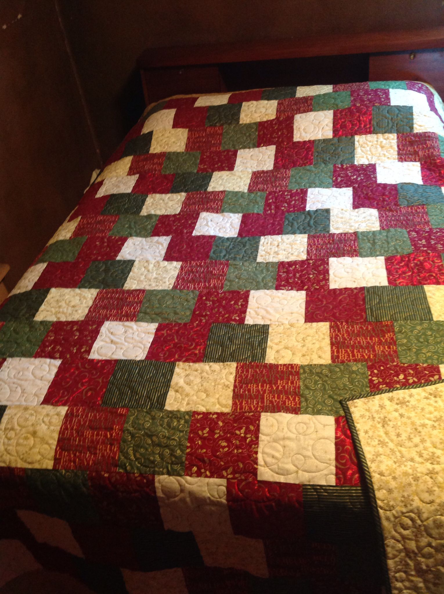 Front Of Christmas Quilt Quilting By Sager Creek Quilts In Siloam