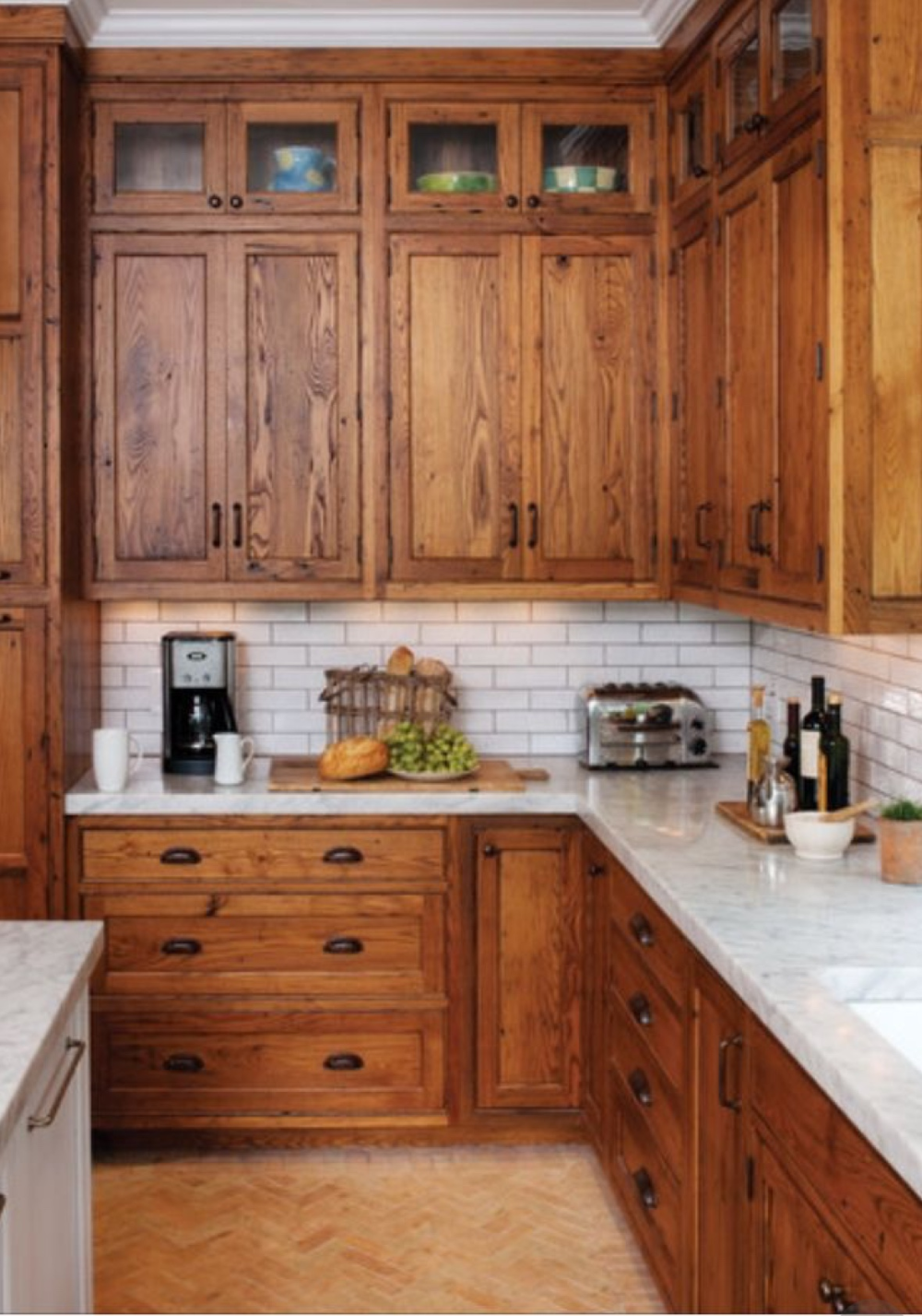 Timeless Kitchens 11 Kitchens With Stained Cabinets   in ...