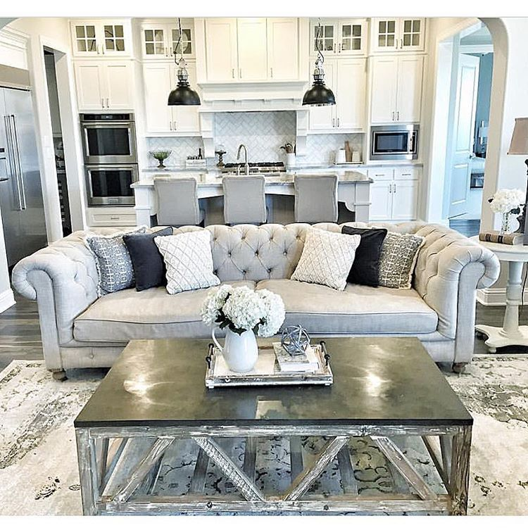 Interior Design Home Decor On Instagram Nothing Like A Tufted Couch By Mytexashouse Luxury Homes Interior Home New Homes