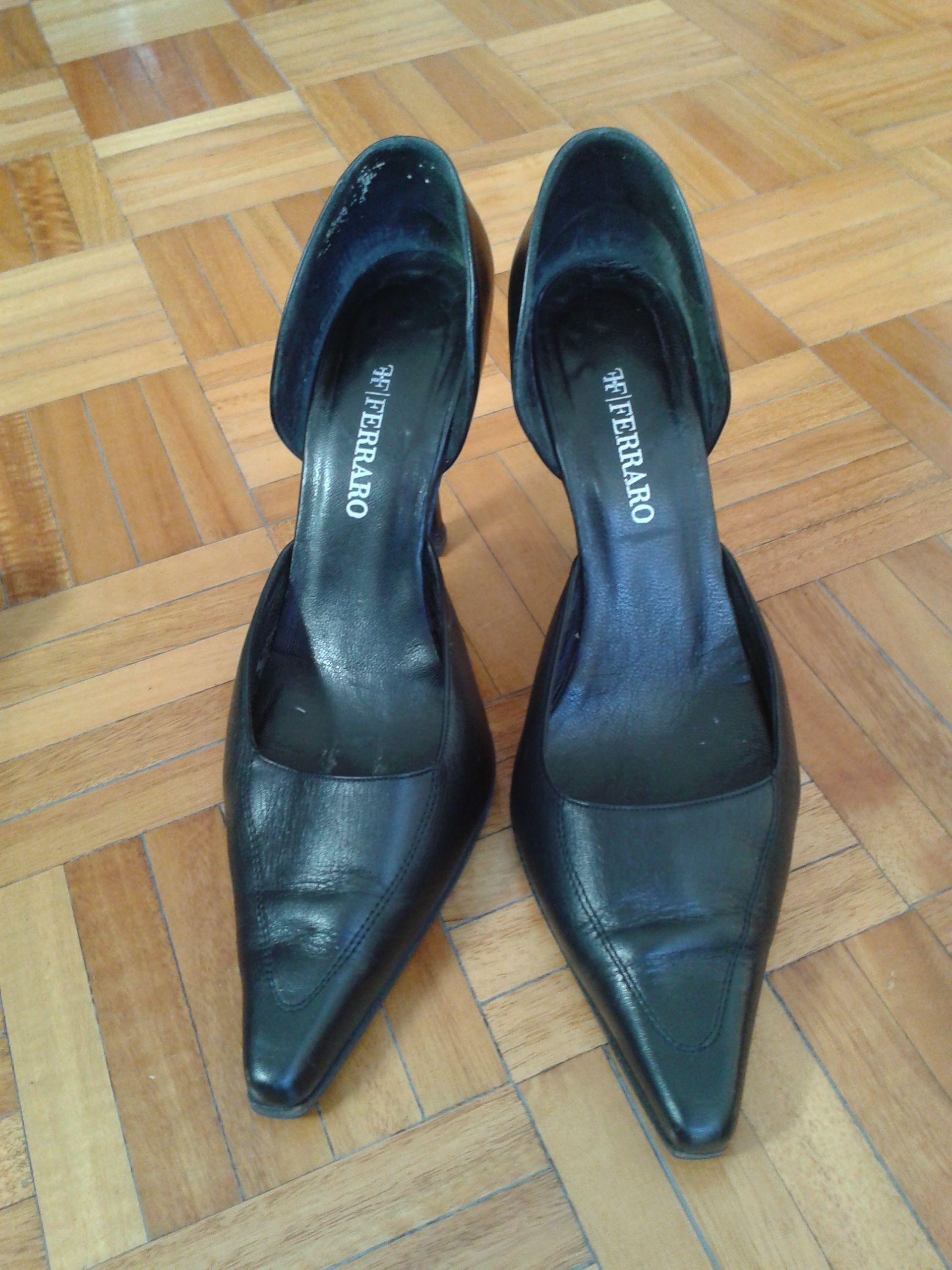 Zapatos de Cuero Negro Ferraro.