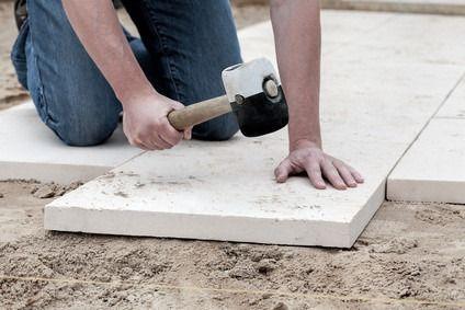 Terrassenplatten richtig verlegen » www.selberbauen.de