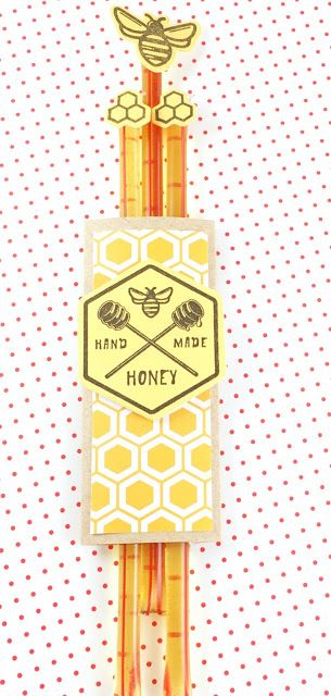 Stamped and Delivered: Bees and Berries No. 4 #amusestudio #stampedanddelivered