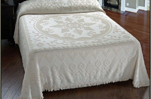 Martha Washington Bedspread King httpvintagechenillebedspreadcom