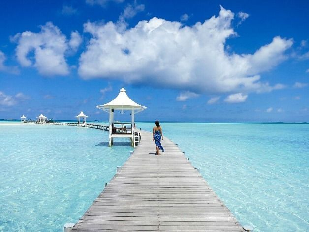 Honeymoon Clothes that are Practical and Pretty (Maldives Packing List) #beachhoneymoonclothes honeymoon-clothes #beachhoneymoonclothes