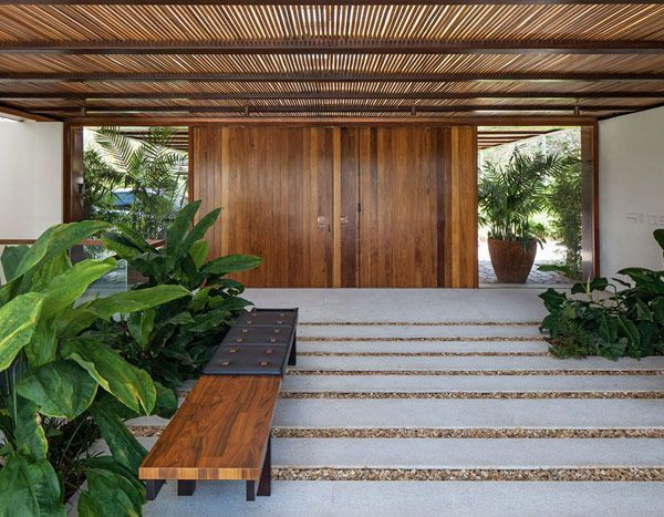 Jacobsen architecture modern tropical costamesa for Tropical house plans with courtyards