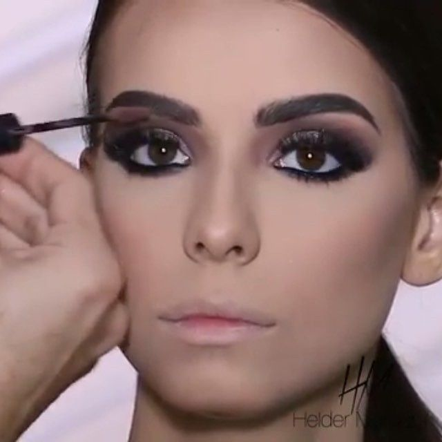 Gorgeous beat video by @heldermarucci @heldermarucci  #heldermarucci #inspiresMe #videotutorial #glammakeup @browtutorial #brows #brian_champagne #livingwithGratitude