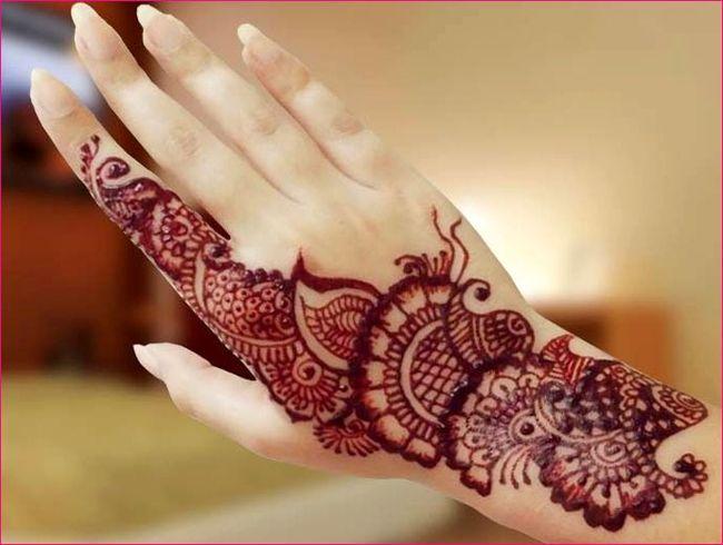 Mehndi Designs Patterns Ideas : Fantastic red mehndi paste for women fashi