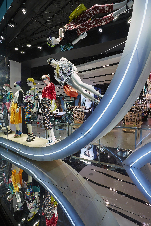 Sonia Rykiel windows 2013, Paris » Retail Design Blog ... |Curved Line Display Visual Merchandising