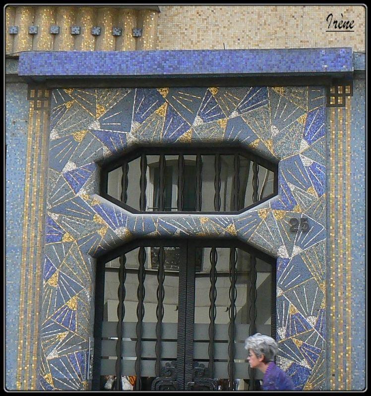 La Maison Bleue Art Déco Angers Une Porte D'entrée Rue Flickr