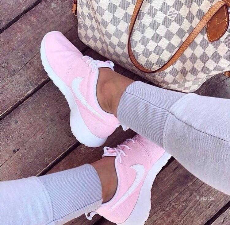 I need these!   Nike shoes women, Dress