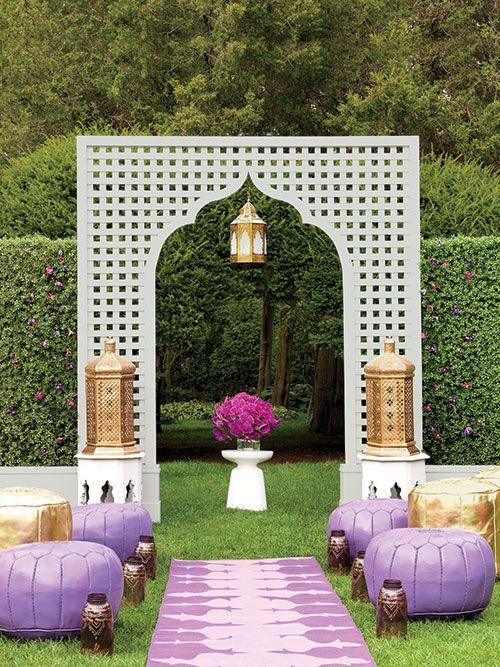 Decor tips for throwing a modern moroccan inspired for Moroccan style garden ideas