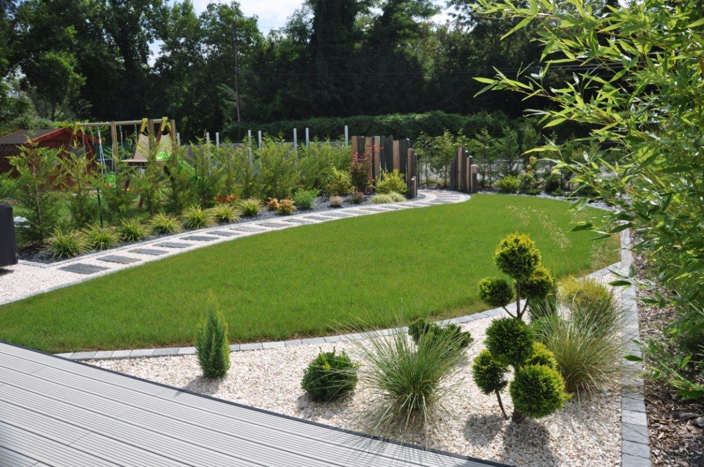 Conif re et massifs modernes projet jardin pinterest for Jardins zen et contemporains