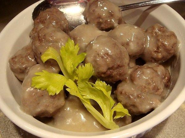 Boulette Francaise (French Canadian Meatballs In White Sauce) Recipe - Recipezazz.com