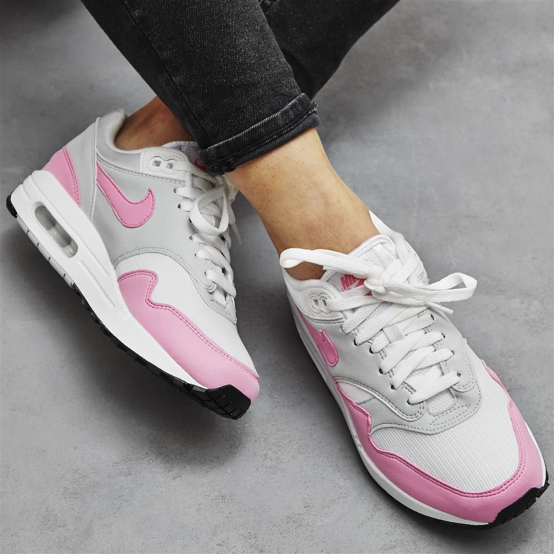 Ending your Friday right: @nike Air Max 1 in Psychic Pink