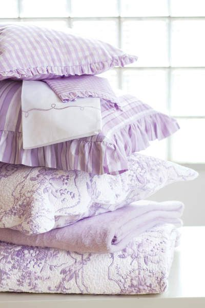 Beautiful lilac bed linens i love the toile quilt in for Beautiful lilac bedrooms