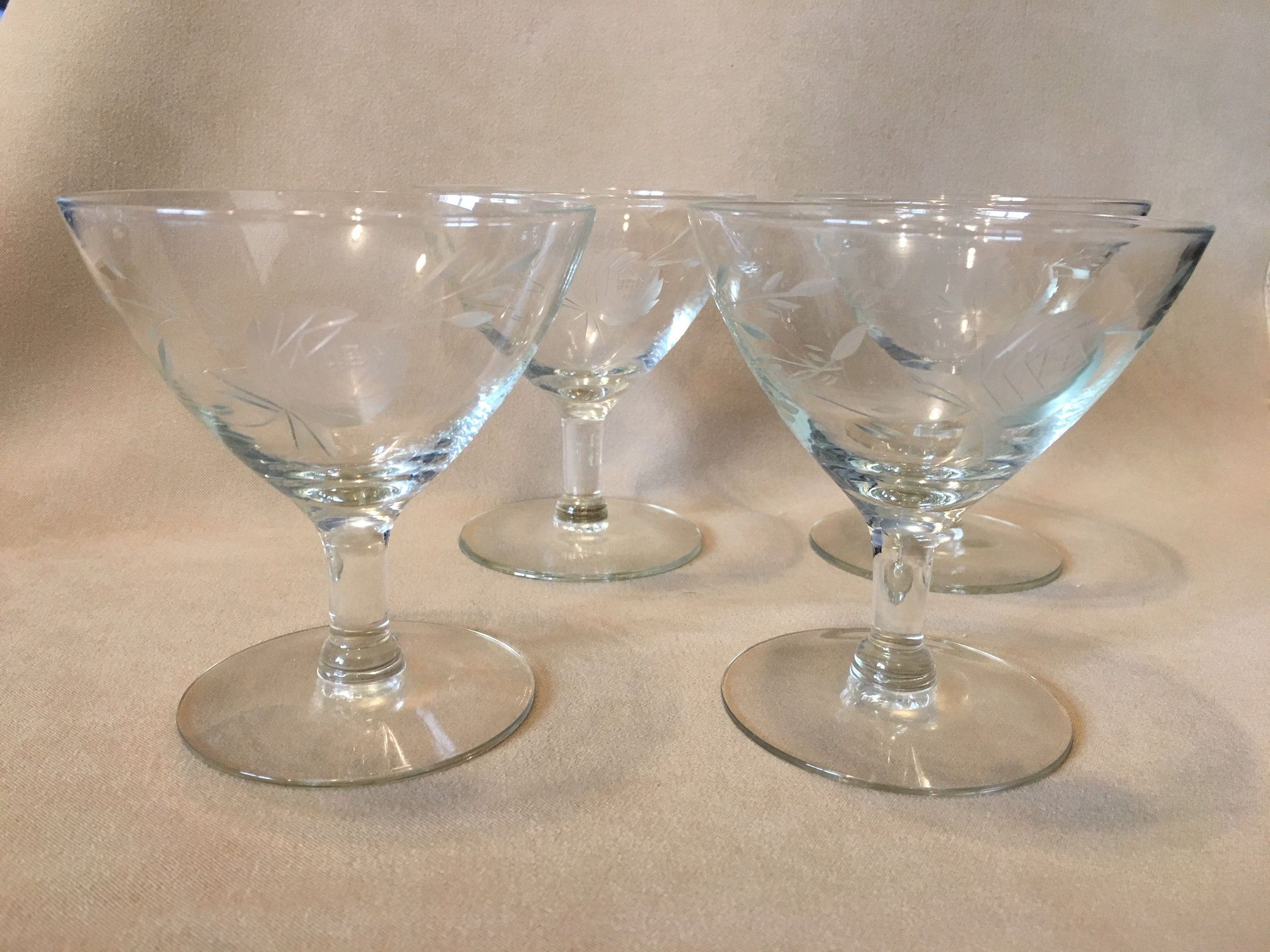 Vintage Wine Glasses Rose Pattern Smooth Stem By Javit Badash Etsy Vintage Wine Glasses Short Stem Wine Glasses Vintage Wine
