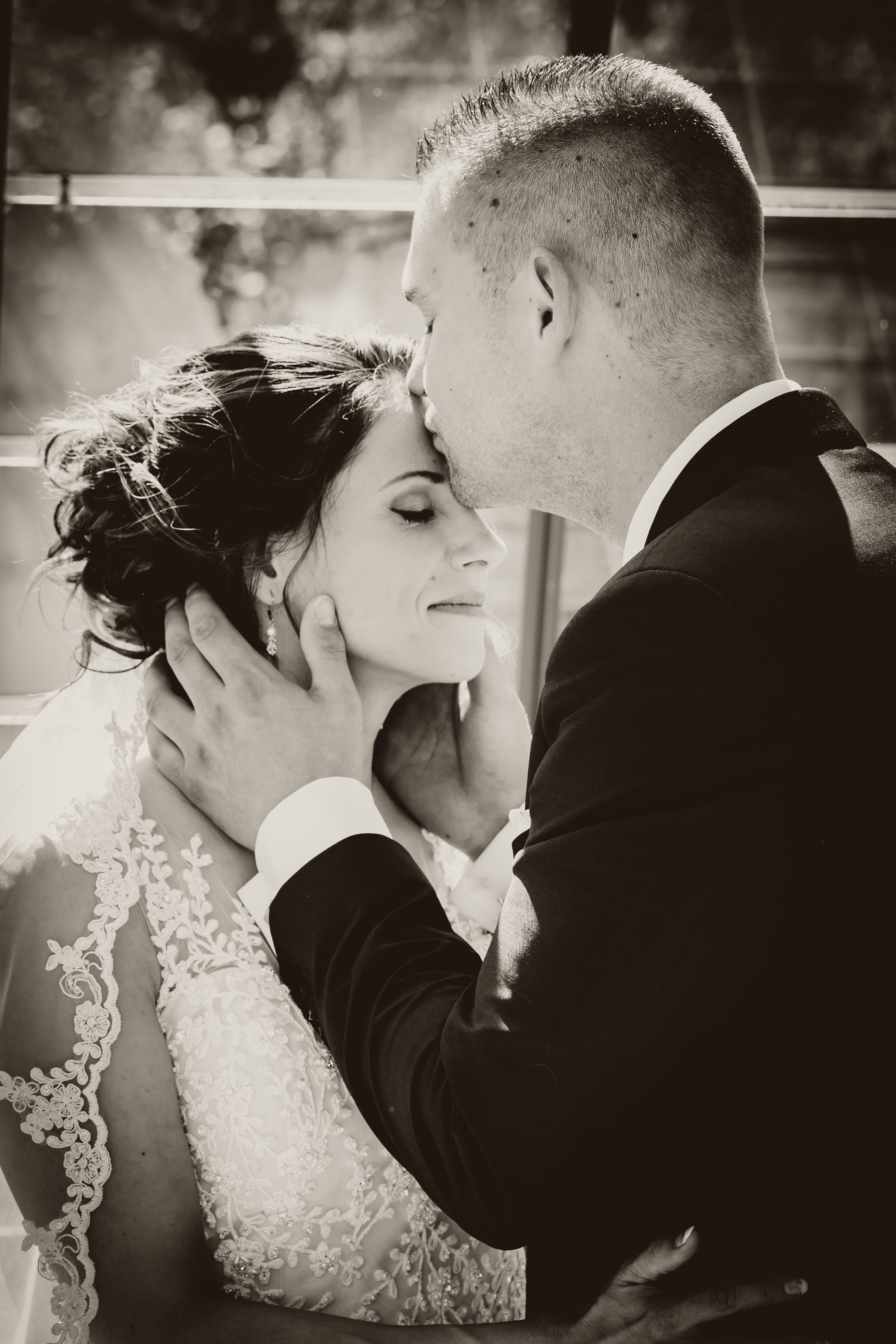Wedding Photography Bruiloft Bride Groom Kiss