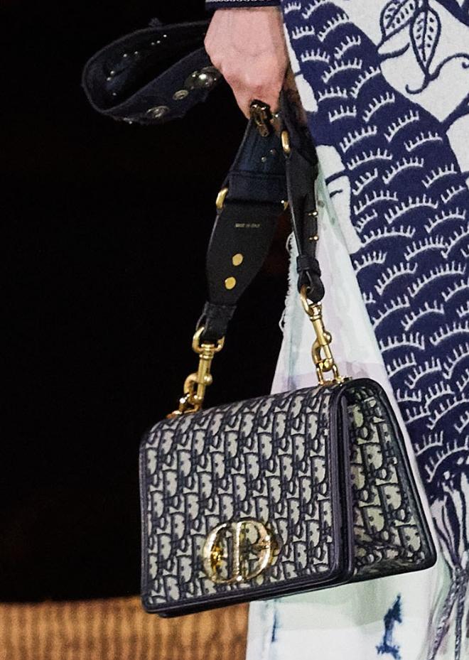 Christian Dior Resort 2020 Collection Christiandiorhandbags Trending Handbag Purses And Handbags Designer Bags Black