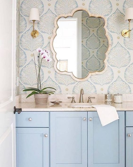 25 Chic Ways To Use Wallpaper In A Guest Bathroom Bathroom Decor Bathroom Design Bathrooms Remodel