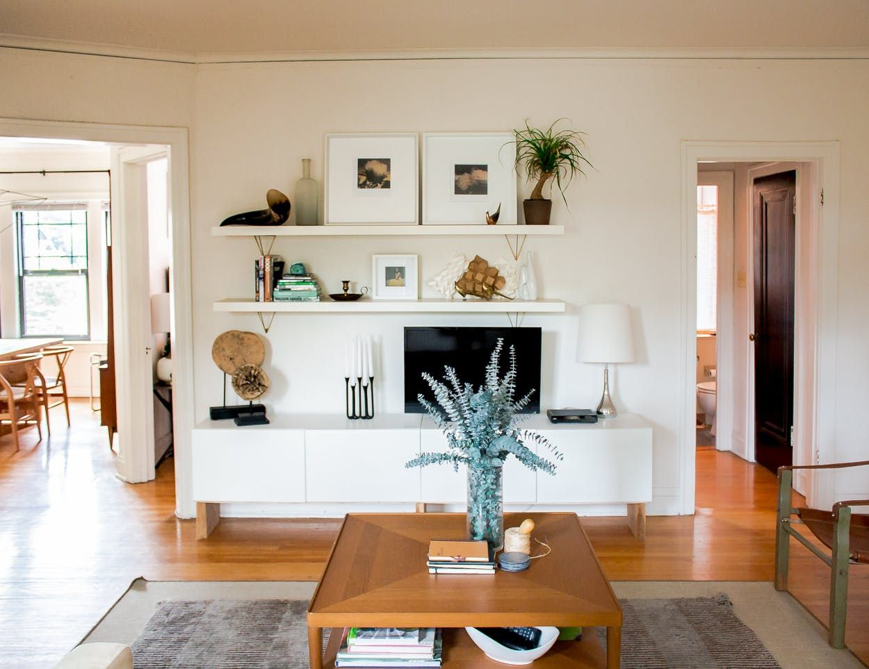 A City Dweller Aces DIY & Design in Chicago | White cabinets, Gate ...