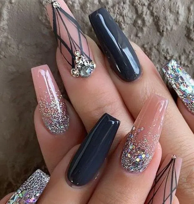 19 Top Awesome Coffin Nails Design You Must Try 19 In 2020 Champagne Nails Coffin Nails Designs Trendy Nails