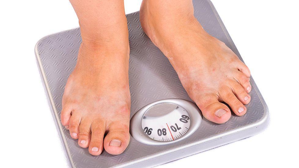 Tutkimus selvitti vihdoin, kumpi on tehokkaampi: Näin vähähiilihydraattinen ja vähärasvainen dieetti laihduttivat