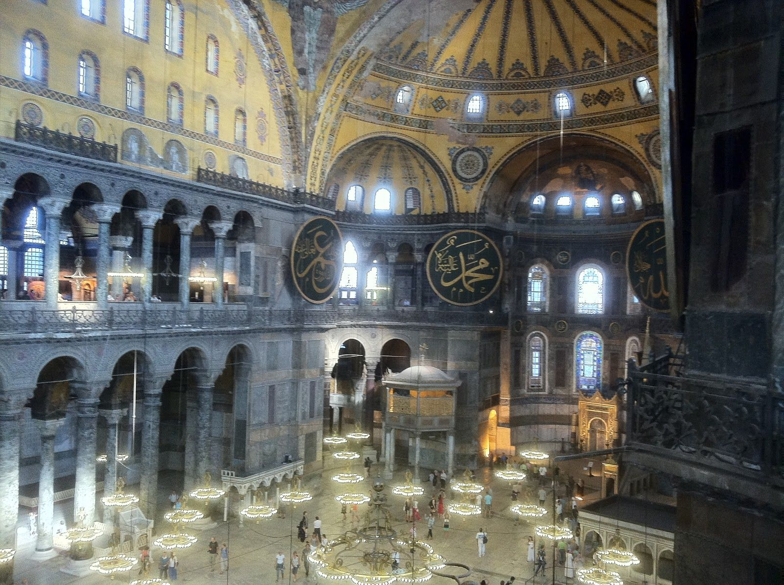 Artemis Interieur Recycle Artemis Columns Interior Of Hagia Sophia The
