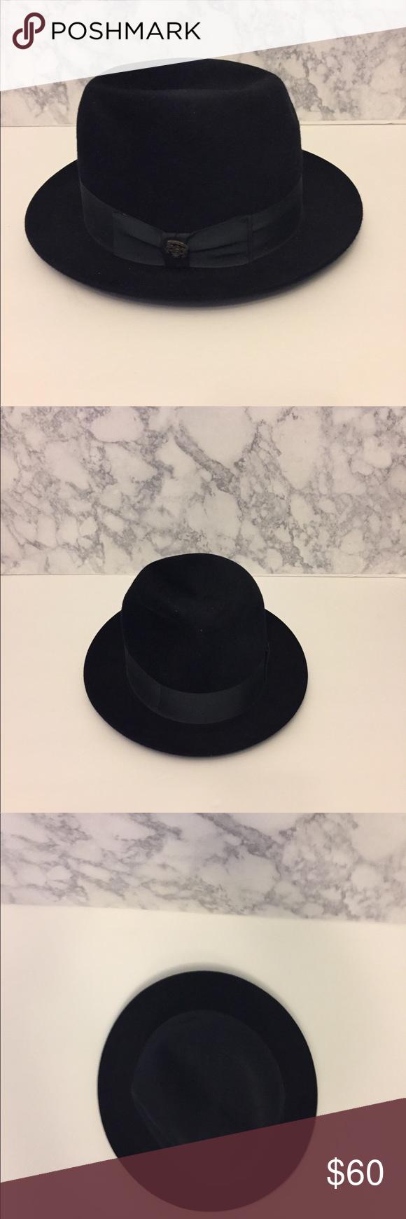 a1b3d23853d Vintage Biltmore Eleganza Hat Vintage Biltmore Eleganza hat in Navy  made  of leather with silk