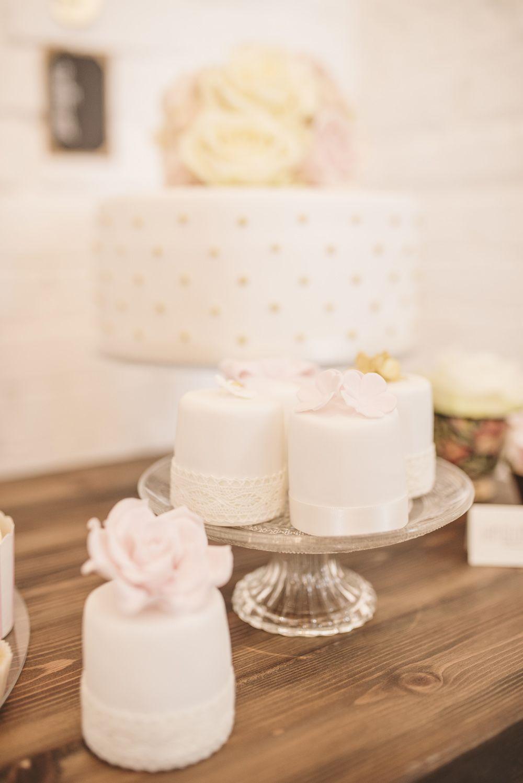 Single Tier Gold Polka Dot Wedding Cake | Individual Wedding Cakes | Dessert Table | | Matt Ethan Photography | http://www.rockmywedding.co.uk/faye-brad/