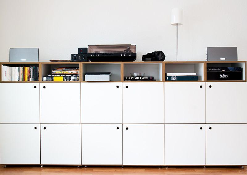 regal mit t ren regal pinterest regal m bel und wohnzimmer. Black Bedroom Furniture Sets. Home Design Ideas
