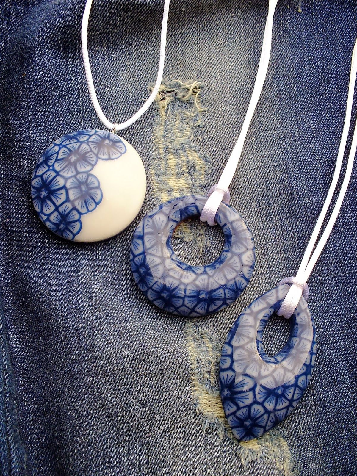 Faded jeans pendant tutorial how to pinterest faded polymer clay canes faded jeans pendant tutorial mozeypictures Image collections