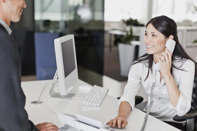 Top Things You Should Know About Legal Receptionists Receptionist Jobs Receptionist Outfit Office Desk Designs