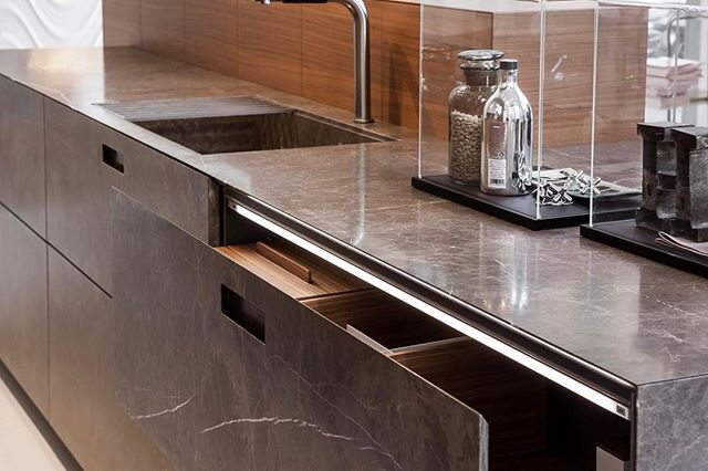 Kitchen in natural stone. | Nerinea | Antolini | architecture | living | lifestyle | interior design | stone | natural stone | projects | interiors | elegant | exclusive | style | decor | marble | inspiration | design | fashion |