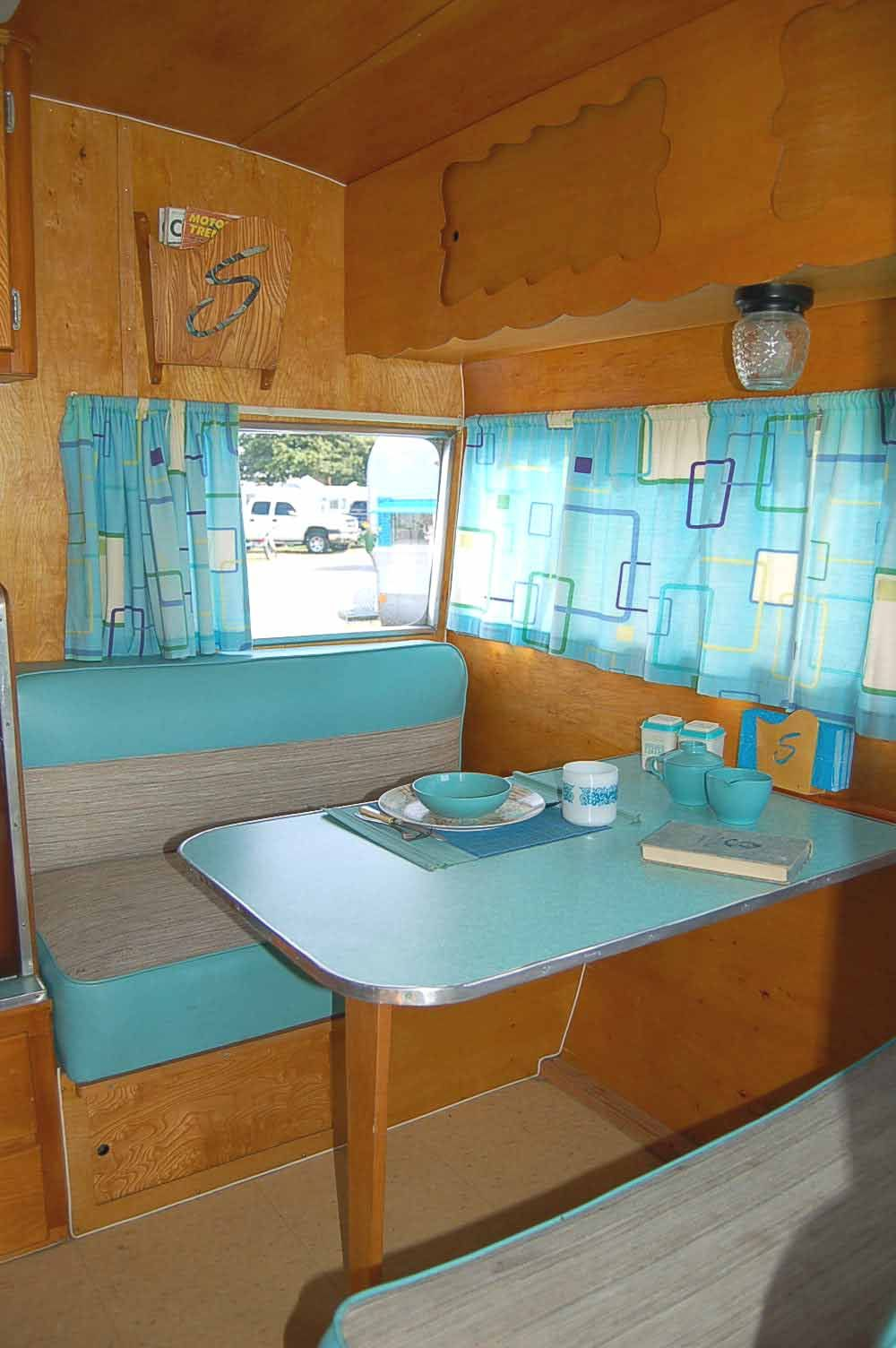 Fun Kitchen Pictures Of Ideas To Decorate Vintage Trailer Fun Kitchen Retro
