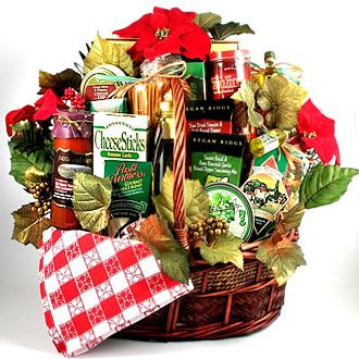 Italian Style Family Christmas Basket | Italian food gift baskets, Christmas  food gift baskets, Food gift baskets