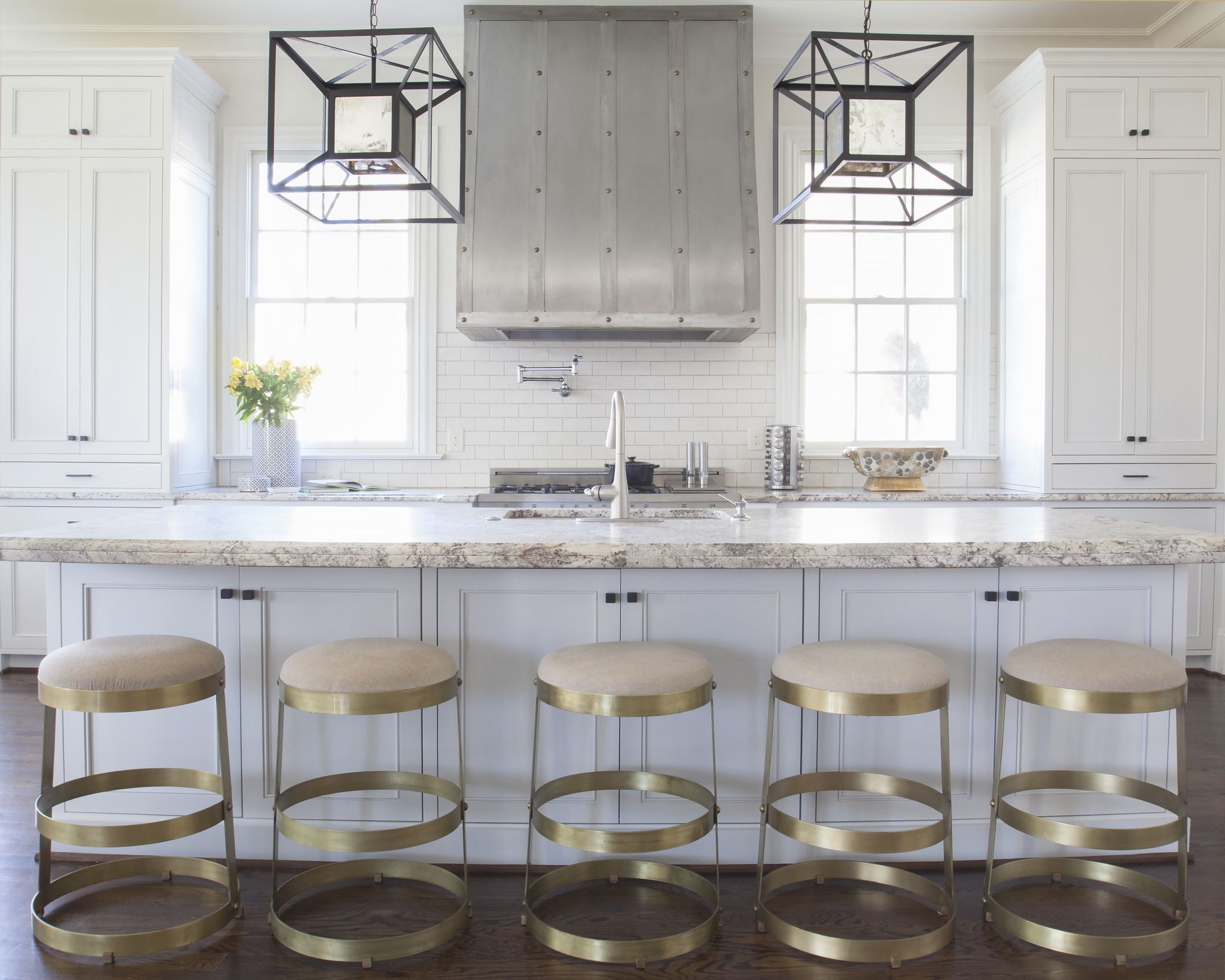 Long Center Island  Transitional  Kitchen  Murphy &