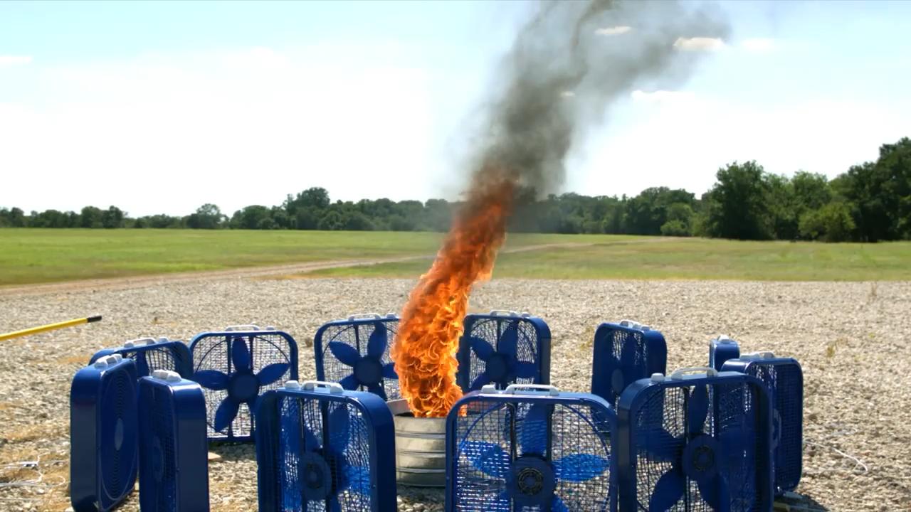 r/Damnthatsinteresting Offset fans create fire tornado