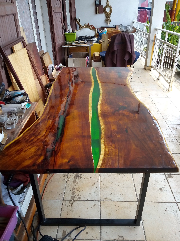 Épinglé par Gilles Boulevart sur Table resine epoxy  Resine epoxy