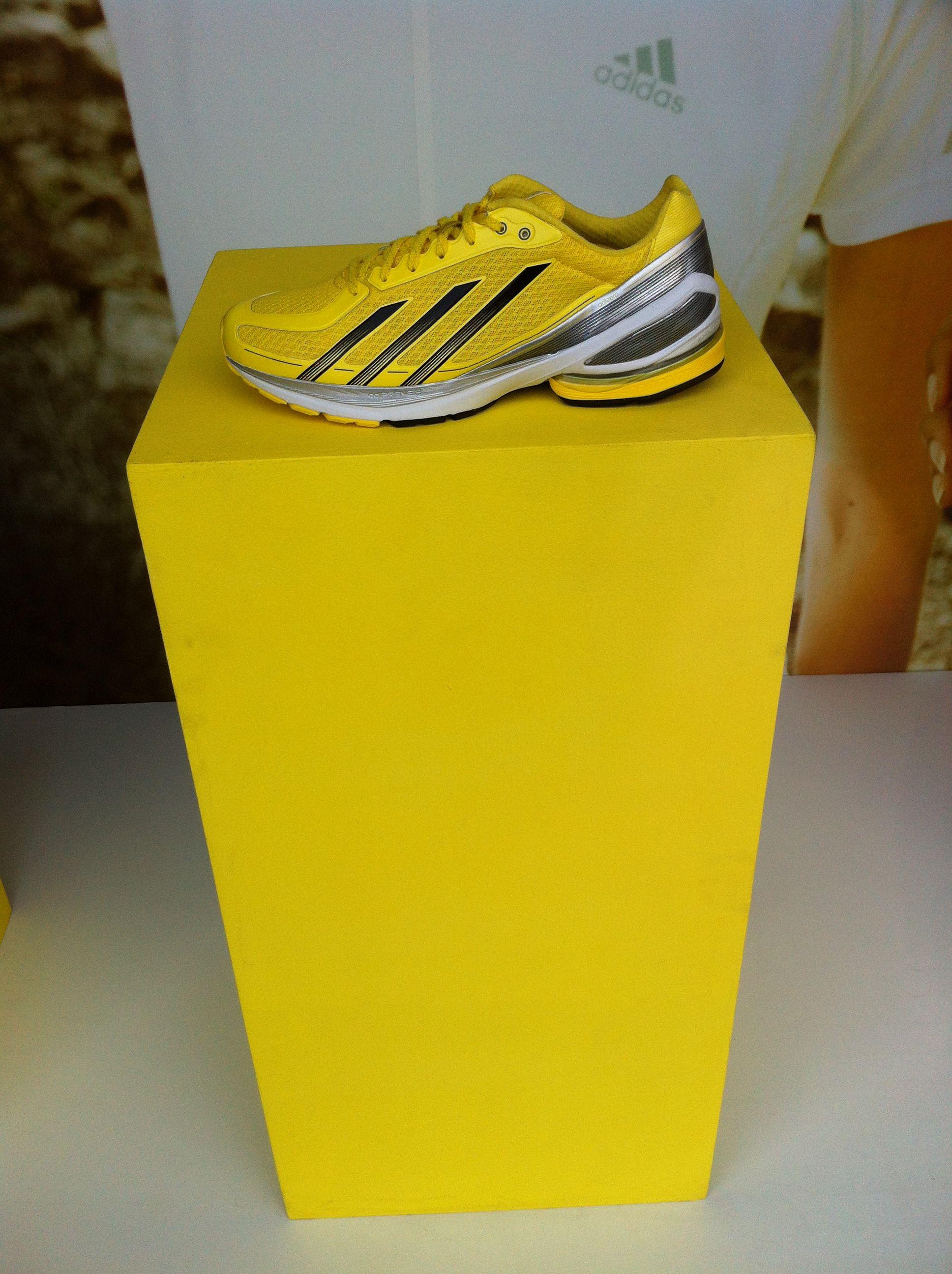 Zapatillas   Adidas Store  (Av Cabildo 2441)