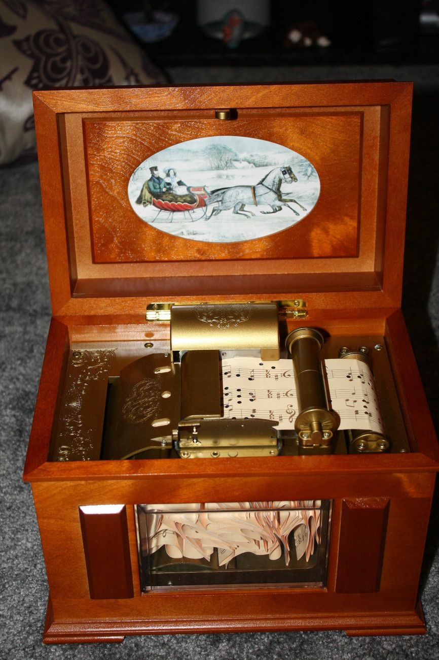 MR. CHRISTMAS Music in Motion MUSIC BOX CHRISTMAS CAROLS Rare ...