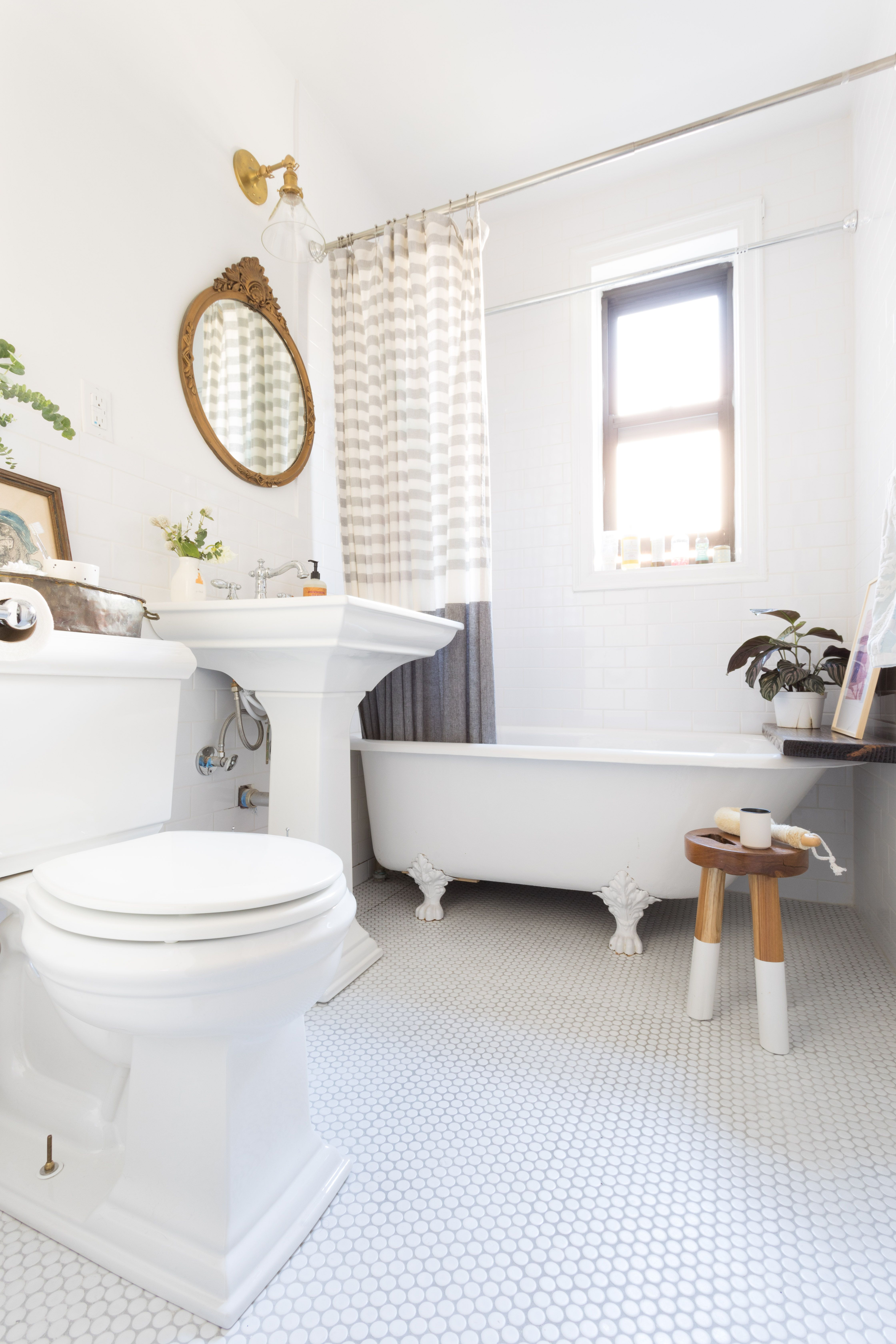 Before And After A Cozy Nyc Co Op S Stunning Renovation Traditional Bathroom Bathroom Interior Design City Bathrooms