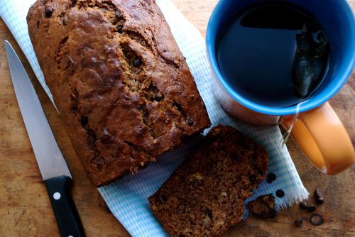 brown butter chocolate chip banana bread | Pupcaked