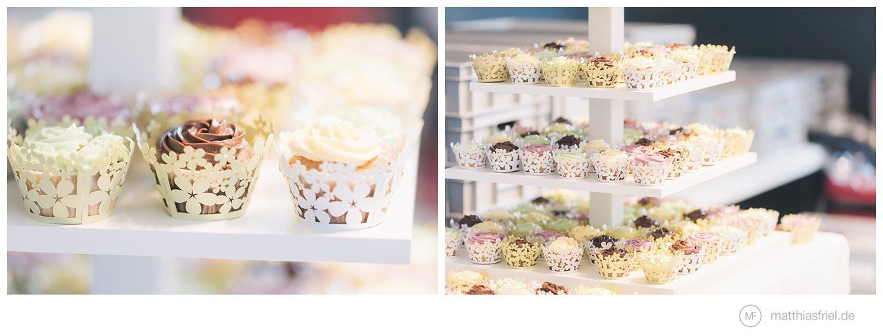 Leckere Selbstgebackene Cupcakes Und Hochzeitstorte Hochzeit