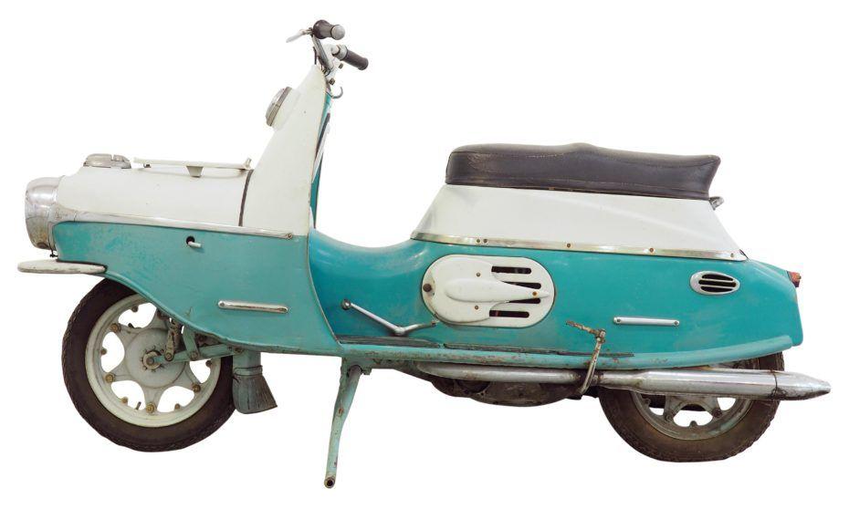 vintage italian scooter - 930×558