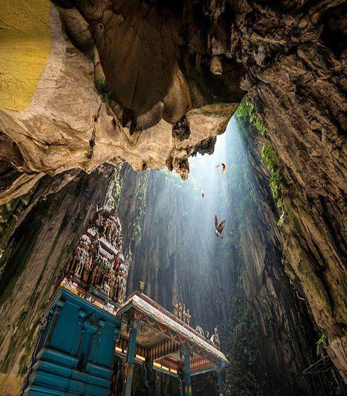 Batu Caves Malaysia Travel Pedia Borneo Pinterest Batu - 12 amazing caves you have to visit